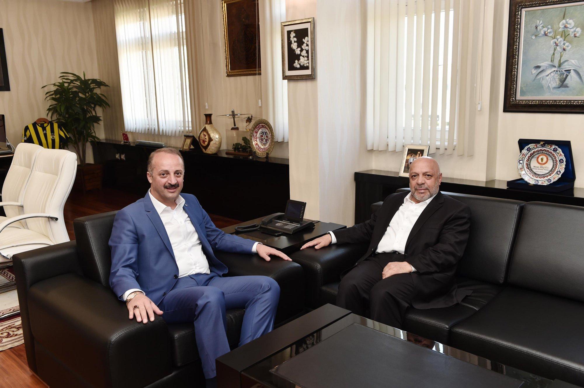 ARSLAN, MAMAK BELEDİYE BAŞKANI AKGÜL'Ü ZİYARET ETTİ