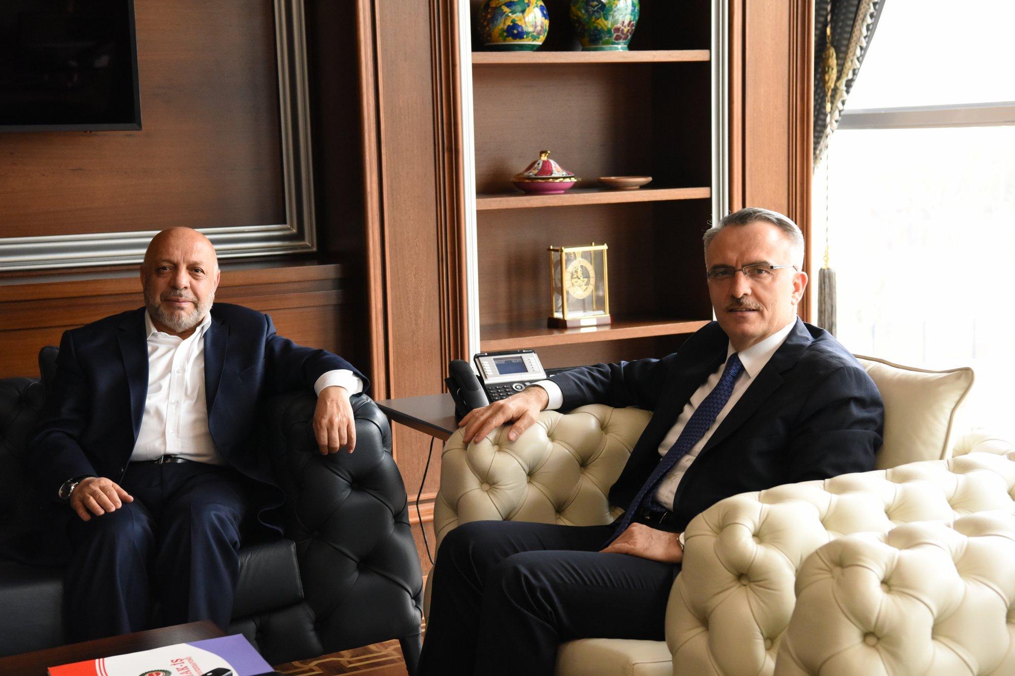 ARSLAN, MALİYE BAKANI AĞBAL'I ZİYARET ETTİ