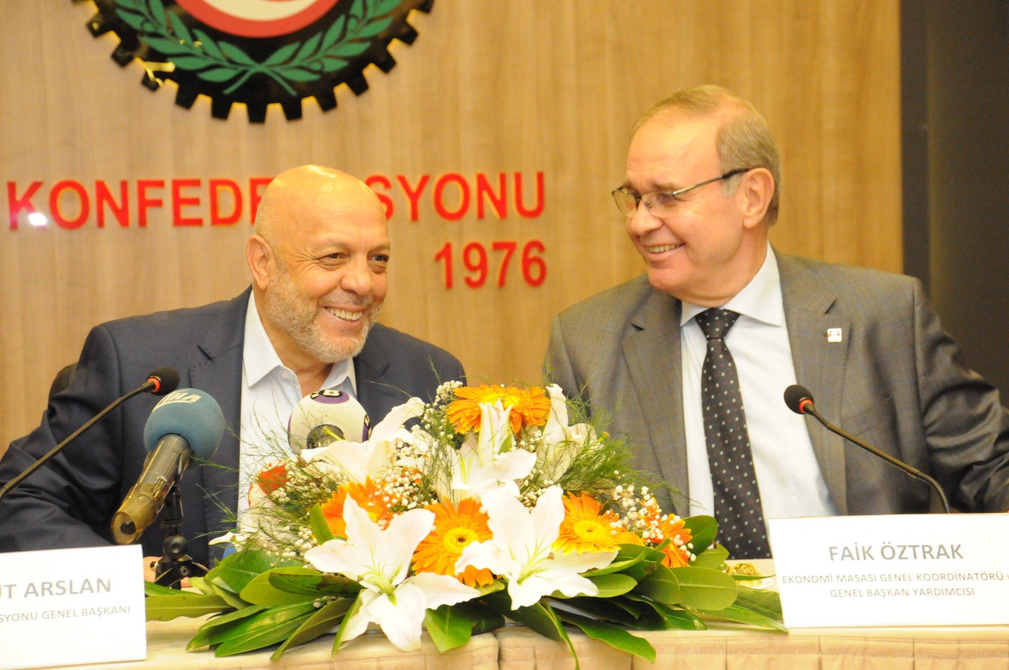 CHP'Lİ HEYET'TEN HAK-İŞ'E ZİYARET