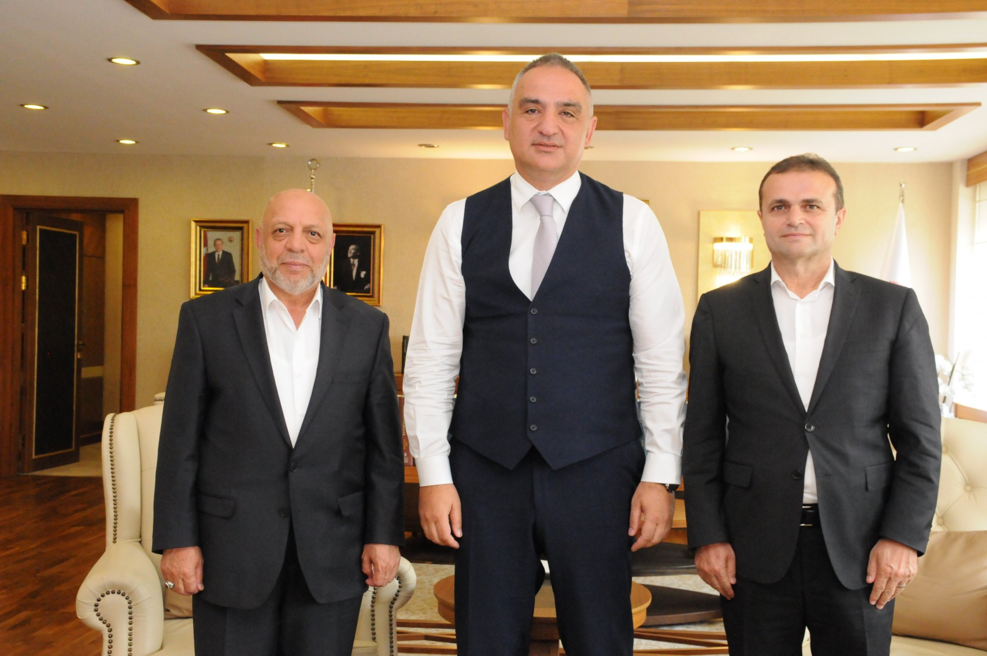 ARSLAN'DAN KÜLTÜR VE TURİZM BAKANI ERSOY'A ZİYARET